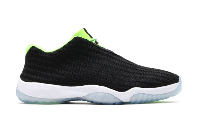 "Air Jordan Future Low ""Ghost Green"""
