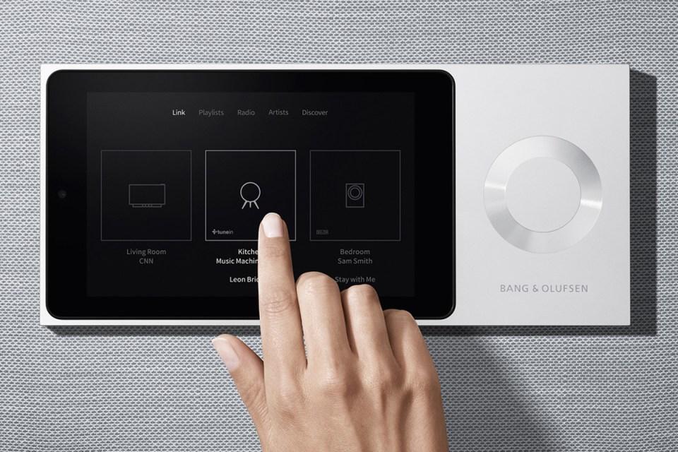 bang olufsen launch beolink multi room speaker system. Black Bedroom Furniture Sets. Home Design Ideas