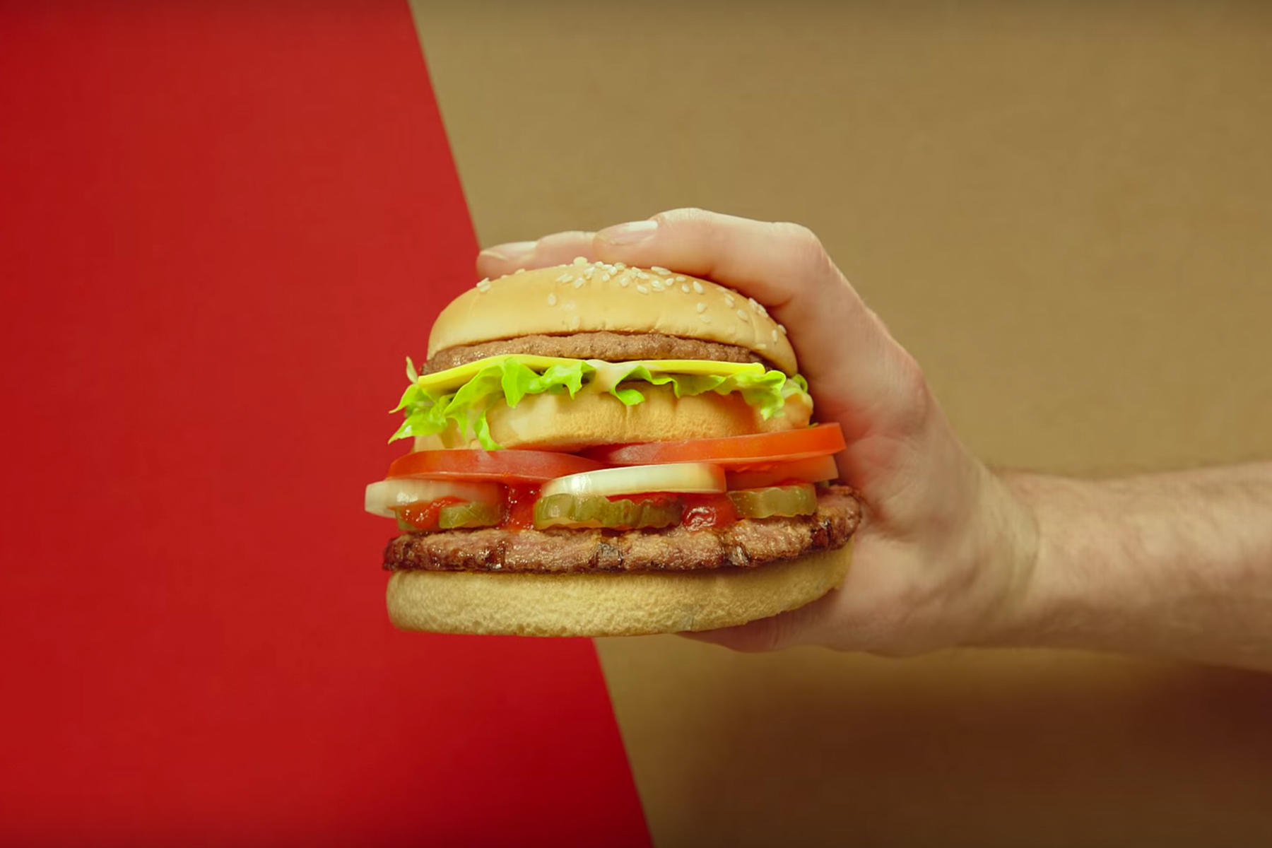 """Burger King Proposes Settling McDonald's Beef With """"McWhopper"""""""