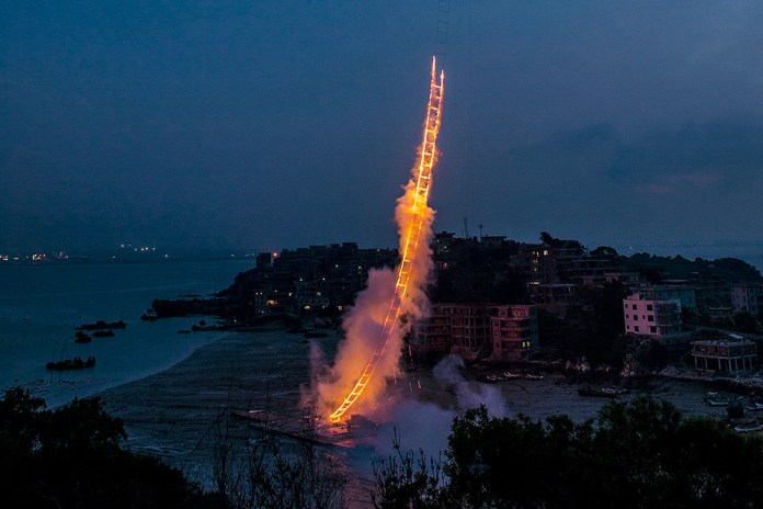 Cai Guo-Qiang Lights a 500-Meter Firework Ladder Towards the Heavens