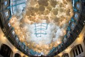 Charles Pétillon Fills London's Covent Garden With a Cloud of 100,000 Balloons