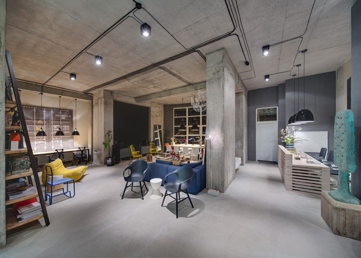 Inside the DIZZAAP Headquarters by Sergey Makhno Architectural Workshop