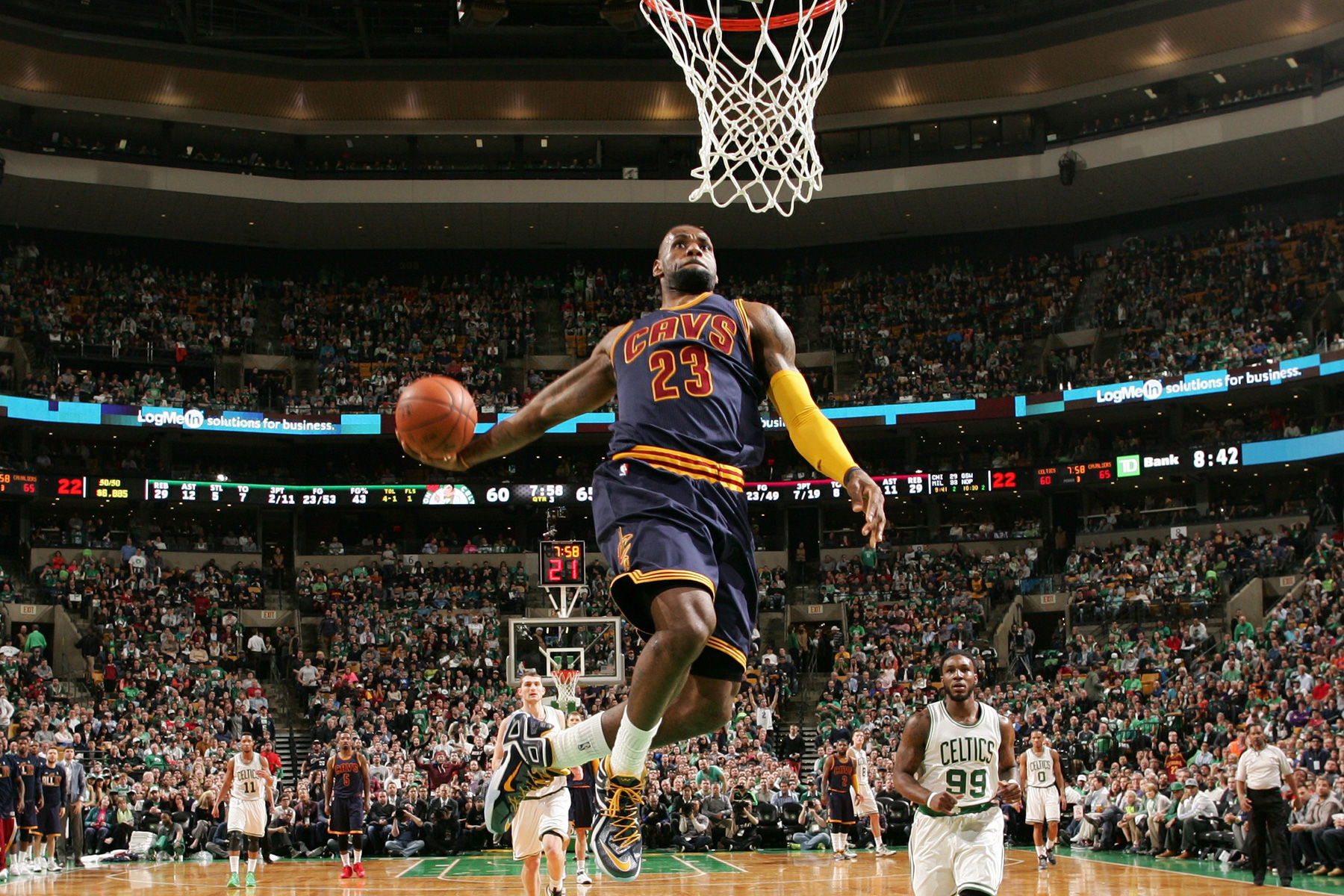 NBA Compiles the Best Dunks From This Past Season