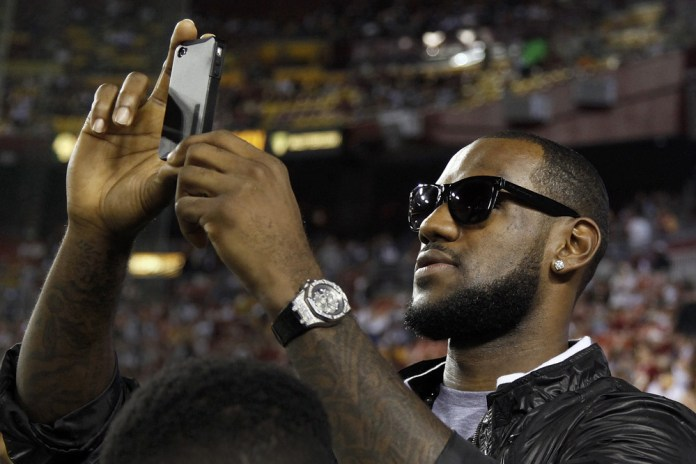 A LeBron James Sponsored Tweet Could Cost $140,000 USD