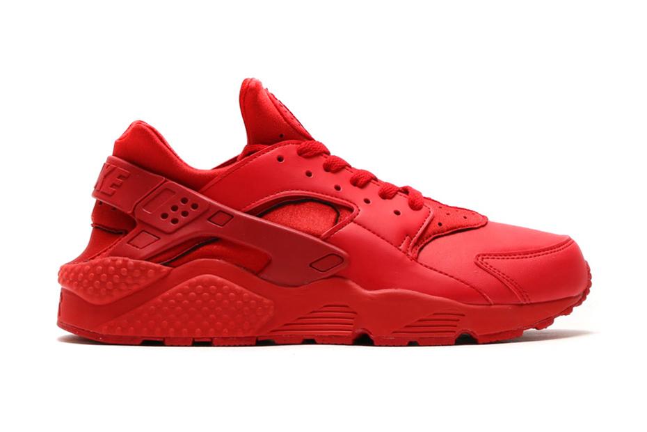 "Nike Air Huarache ""Varsity Red"" & ""Midnight Navy"""