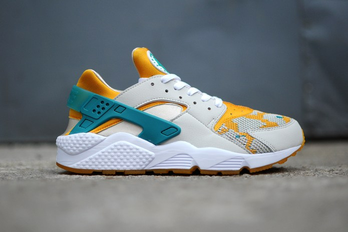 "Nike Air Huarache Run PA ""Light Bone"""