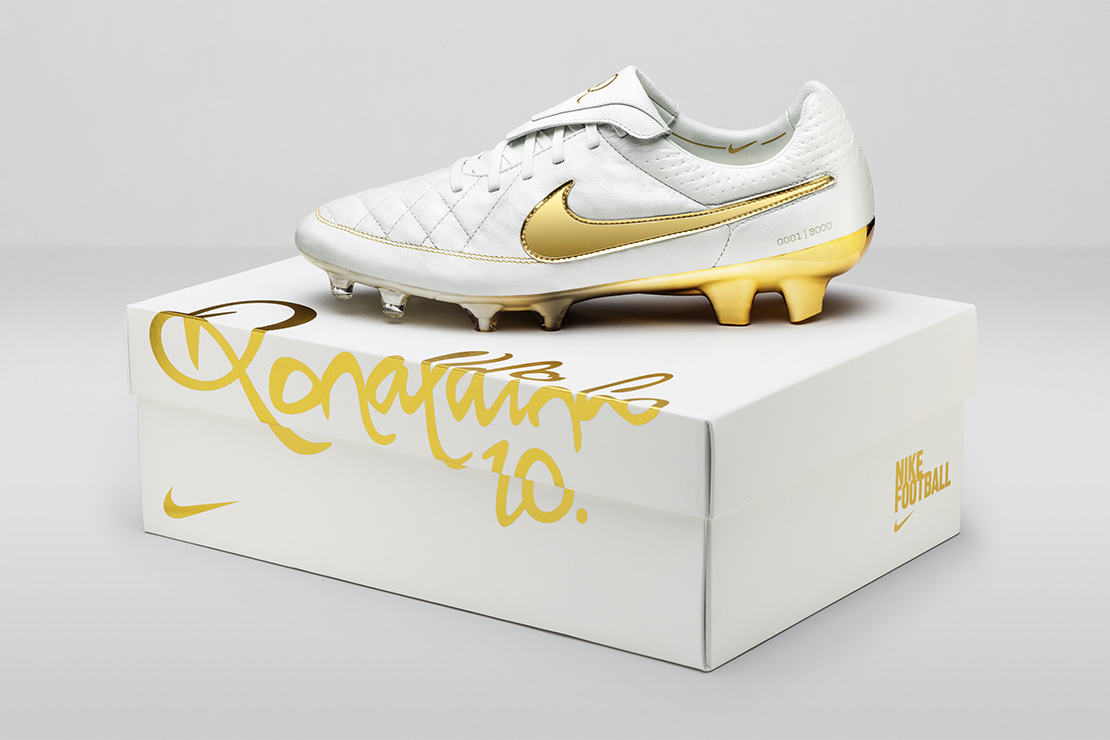 "Nike Pays Homage to Ronaldinho With the Tiempo Legend ""Touch of Gold"""
