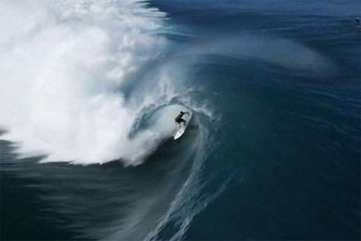 Incredible Aerial Footage of Surfers in Teahupo'o