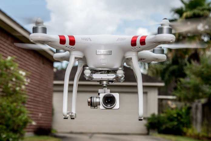 The DJI Phantom 3 Standard Shoots 2.7K HD Video at 30 Frames per Second