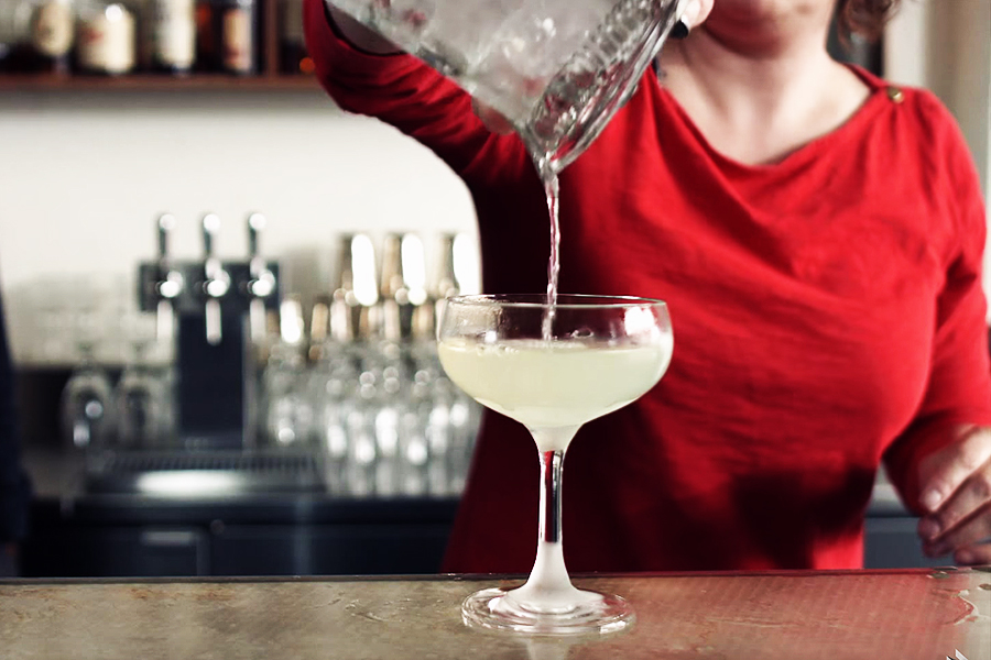 Learn How to Mix the Perfect Cocktail According to Science