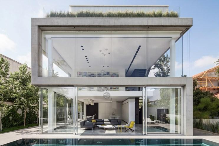 A Modern Concrete House in Tel Aviv