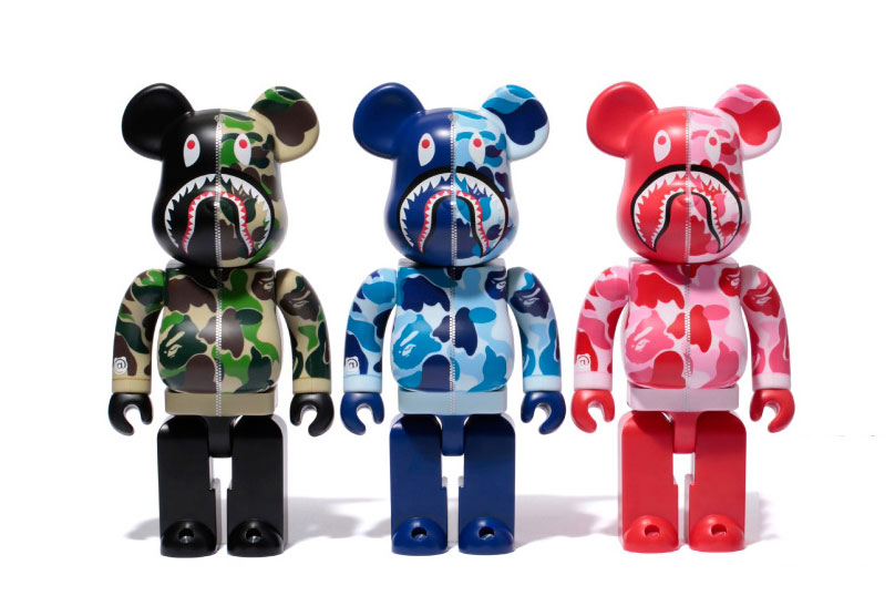 "A Bathing Ape x Medicom Toy ""Shark Hoodie"" Bearbrick"