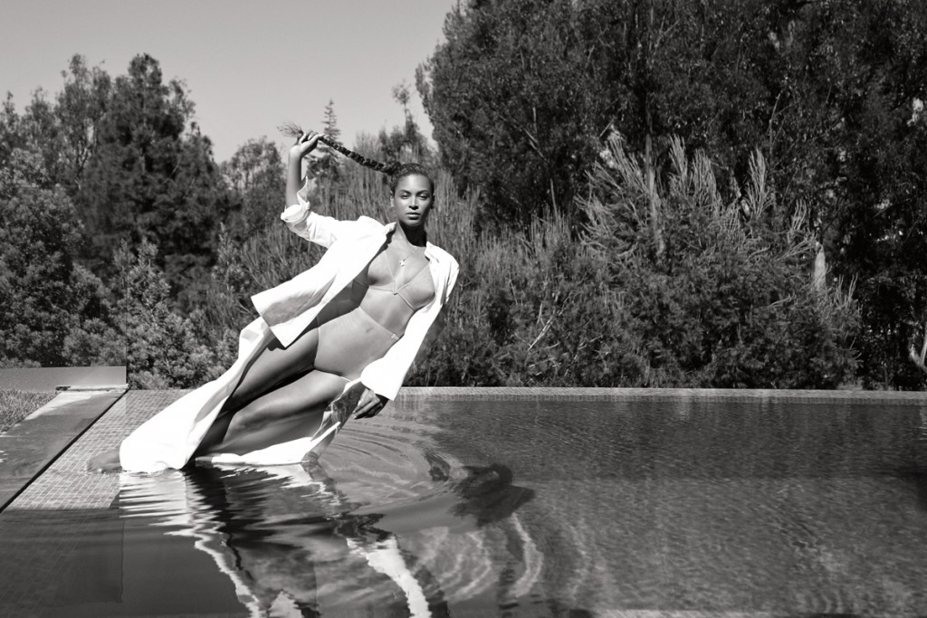 """Beyoncé Is the Queen of """"CALIFUK"""" in 'FLAUNT' Magazine"""