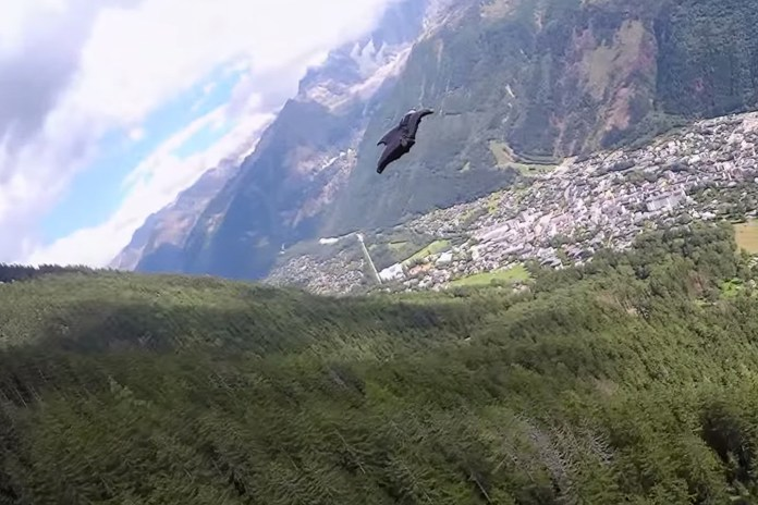 Graham Dickinson Takes Full Advantage of His Wingsuit in This Daring Flight Video
