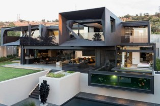 Kloof Road House by Nico Van Der Meulen