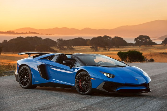 A Closer Look at the Lamborghini Aventador LP750-4 SV Roadster