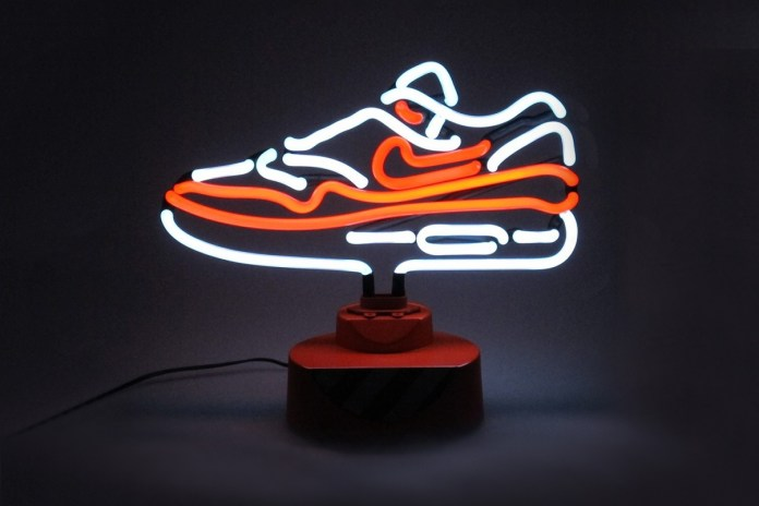 Nike Air Max 1 OG Limited Edition Tabletop Neon Lamp