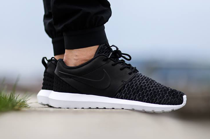 nike roshe 1 men's all black nz