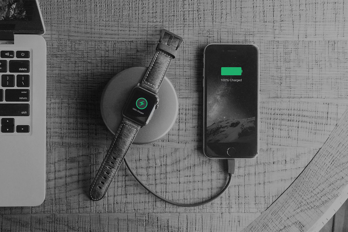 The Nomad Pod Pro Charges Your Apple Watch & iPhone at the Same Time