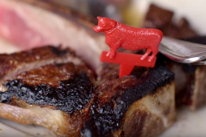 Peter Luger's Porterhouse for 2 From Butcher to Table in 60 Seconds