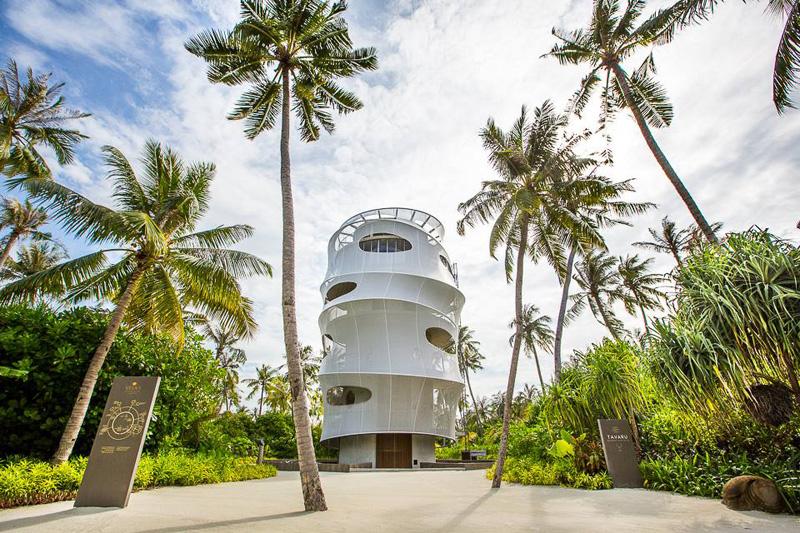 Tavaru Restaurant & Bar Is a New Level of Resort Luxury in the Maldives