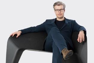 Designer Thomas Feichtner Creates Experimental Carbon Chair