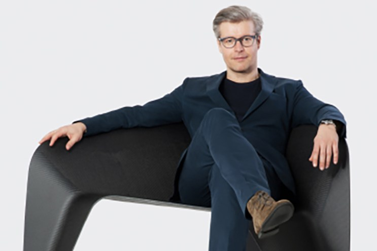 Designer Thomas Feichtner Creates Experimental Carbon Chair