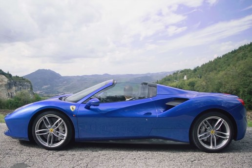 Chris Harris Reviews the Smooth Ferrari 488 Spider