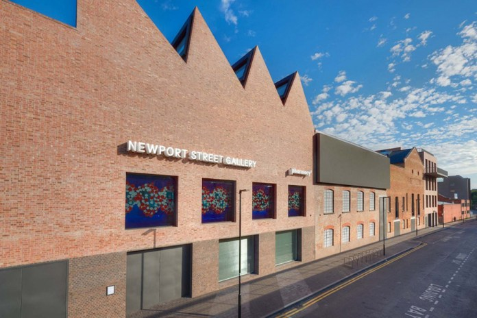 Damien Hirst Opens Gallery in London