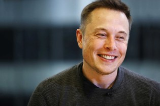 "Elon Musk Calls Apple the ""Tesla Graveyard"""