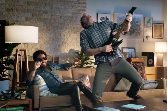 Check out the Official 'Guitar Hero Live' Trailer Featuring Lenny Kravitz & James Franco