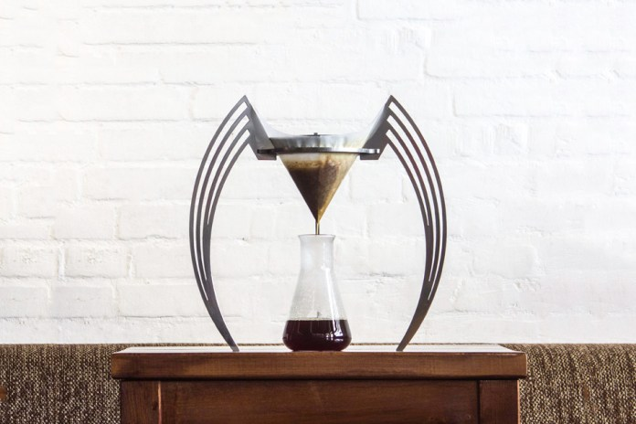 Iikone Brings Art to Your Mornings With New Coffee Brewer