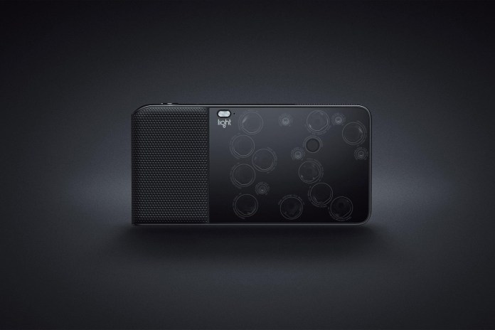 The Light L16 Is a Digital Camera With 16 Built-In Lenses