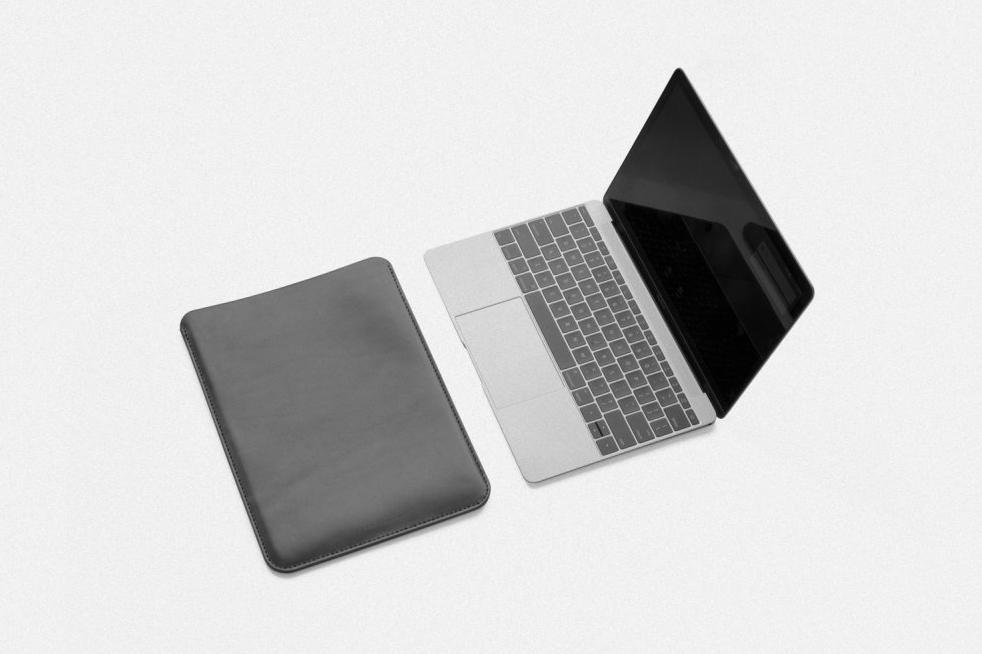 MAKR Leather Macbook Sleeve