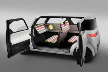 Nissan's Teatro For Dayz Car Is Made Entirely of Screens
