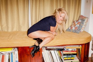 "Pamela Anderson Covers the Special ""ICONS"" Issue of 'ODDA'"
