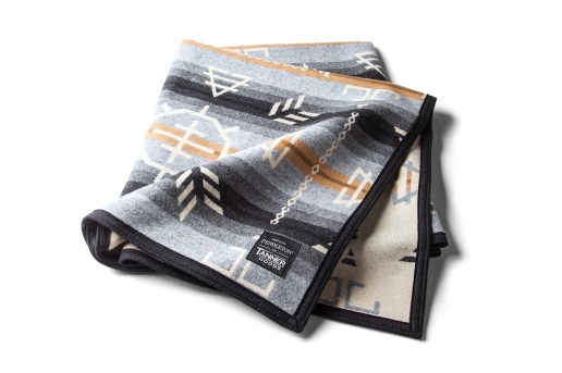 Pendleton for Tanner Goods Blanket and Pillow Set