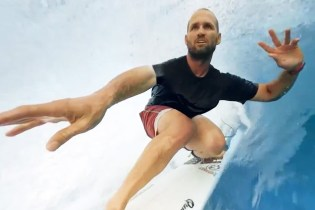 Go Surfing With the Pros in This 360-Degree VR Video
