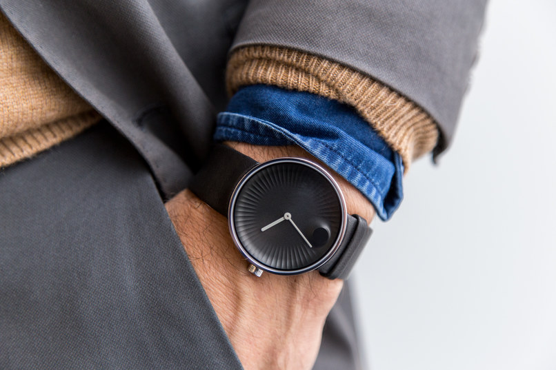 Yves Béhar Designs the New Movado Edge