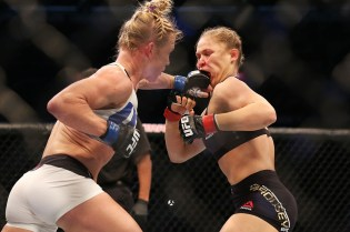 5 Reasons Why Ronda Rousey Took A Dirtnap
