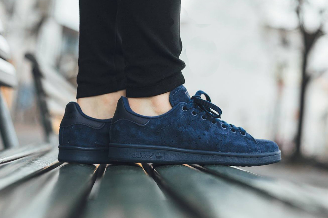 Http hypebeast com 2015 11 adidas stan smith night indigo sneaker