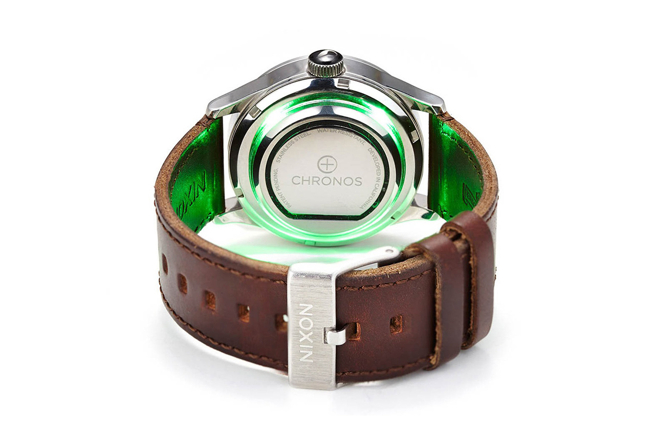 The Chronos Smart Disc Turns Any Watch Into a Smartwatch
