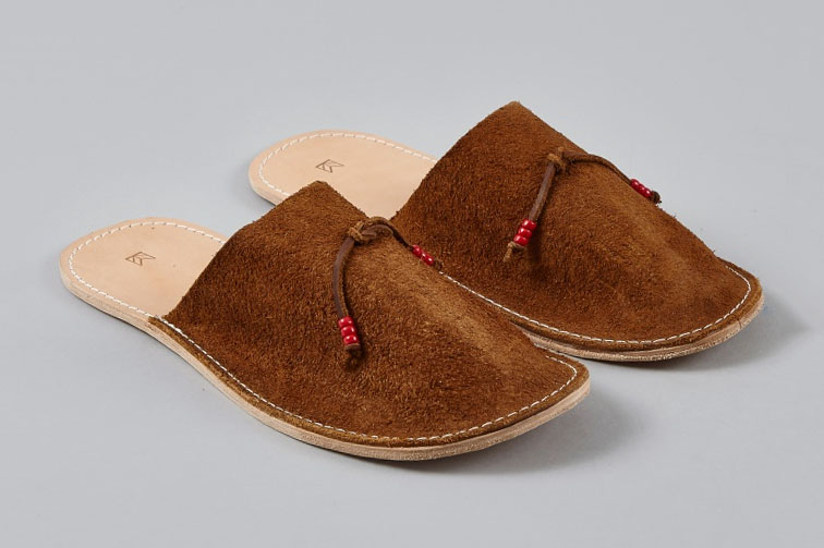 Maple Home Slippers Are This Holiday's Must-Have Room Shoes
