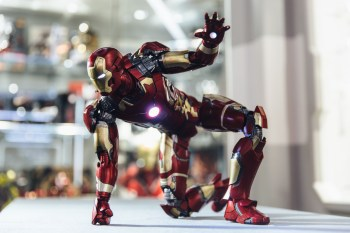 Hot Toys Iron Man Mark XLIII 1/4th Scale Collectible Figure