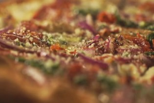 GG's Own Bobby Hellen Shows How to Craft a True New York-Styled Pizza