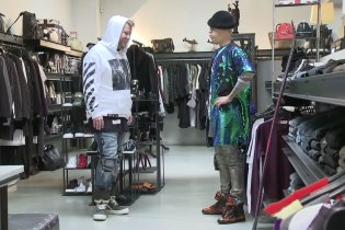 Justin Bieber & James Corden Take a Break From Karaoke With Some Streetwear Shopping