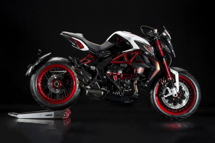 Lewis Hamilton x MV Agusta Custom Dragster RR LH44 Superbike