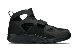 "Nike Air Trainer Huarache ""Triple Black"""