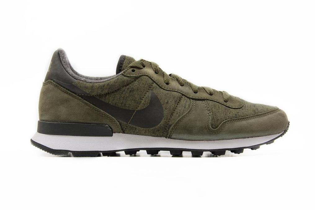 nike internationalist cargo khaki hypebeast. Black Bedroom Furniture Sets. Home Design Ideas