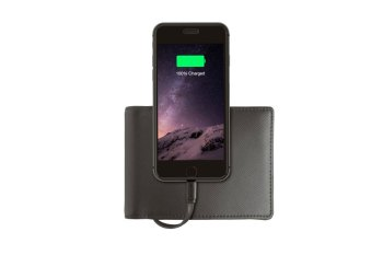 This Nomad Wallet Charges Your iPhone